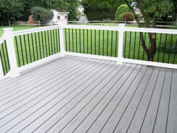deck Warwick